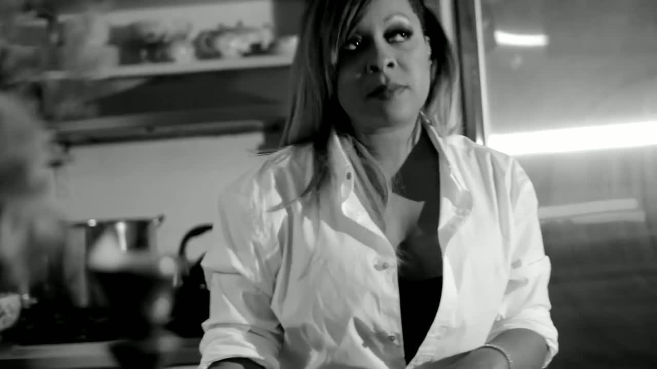 Monifah - 'One Moment'